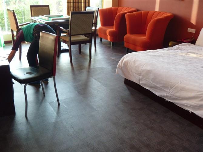 七天连锁酒店塑胶地板工程顺利竣工图片